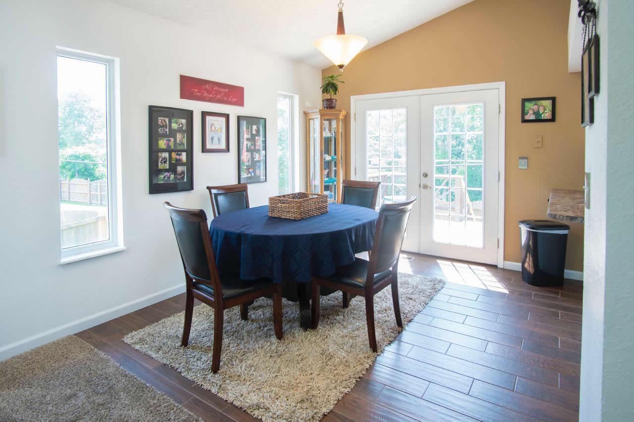 CK Flooring - Contrasting Wood Tones